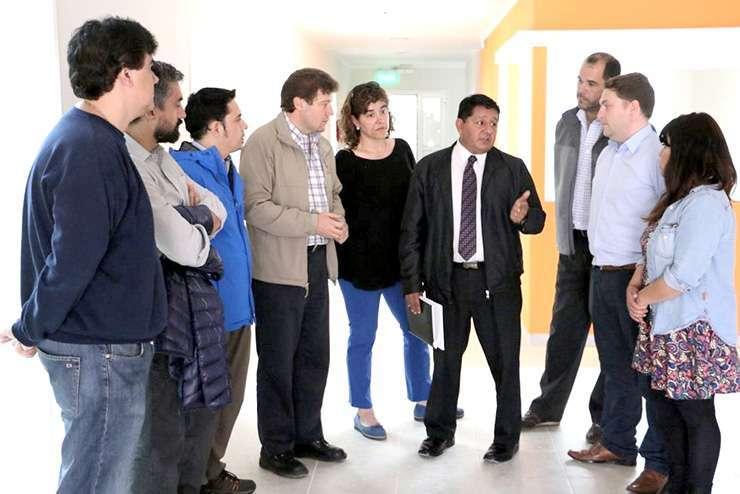 El secretario de Salud de la Municipalidad, doctor Walter Abregú, brindó explicaciones sobre los servicios que se brindarán en el nuevo Centro de Salud.