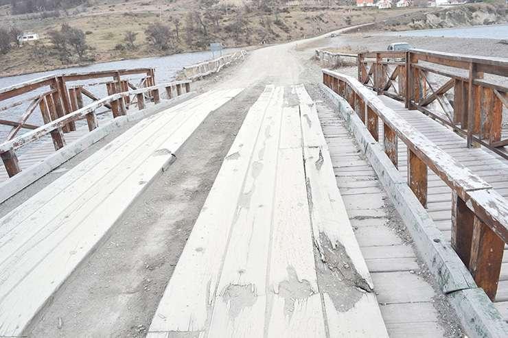 Penoso estado del puente Yuco. Desde que se inauguró jamás se le hizo mantenimiento.