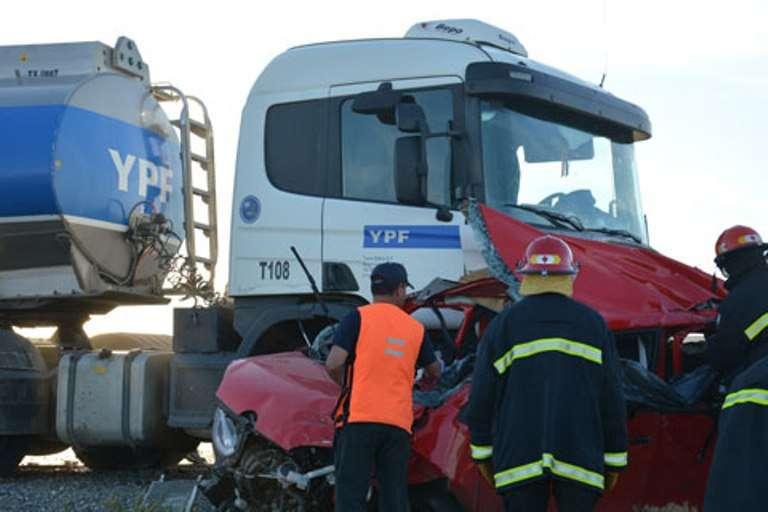 El conductor del camión que transporta combustibles narró lo vivido en la ruta.