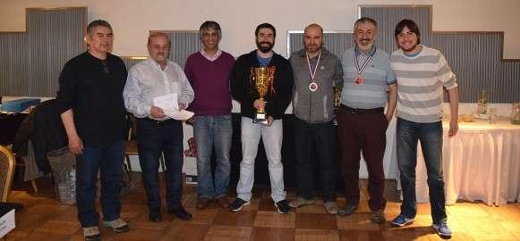 PUNTA ARENAS. Rivera, los dirigentes Mattioni y Maldonado, Magas, Frey, Barra y R.Hurtado.